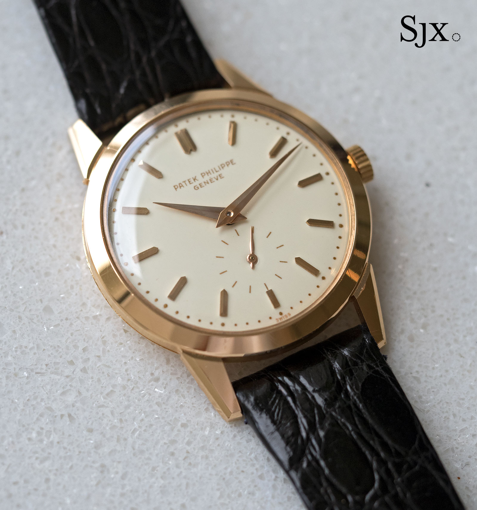 2577 is nowhere near as famous as its cousin, the Calatrava ref. 2526 that  was first automatic Patek Philippe Swiss Replica Watches, characterised by  a ...